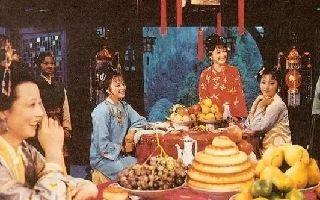 《红楼梦》:林黛玉和薛宝钗有什么不同?薛宝钗的形象被贬低了?
