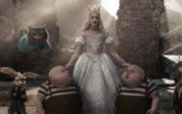 《爱丽丝梦游仙境2010》国语版