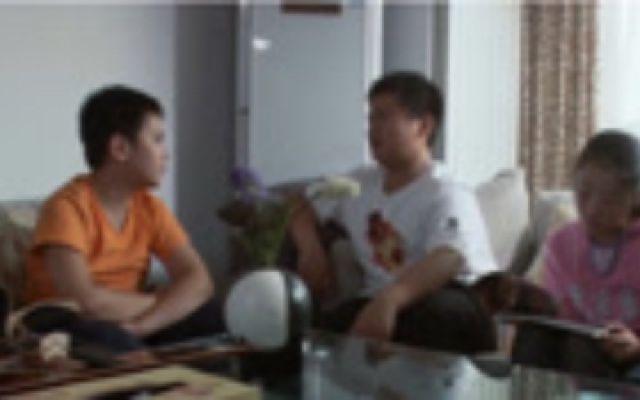 郑州妈妈:一个在地震中的聋哑儿童和朋友的故事,从看不起逐渐转变为好友