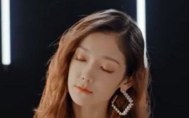《关于我妈的一切》主题曲《牵一双手》MV温情上线