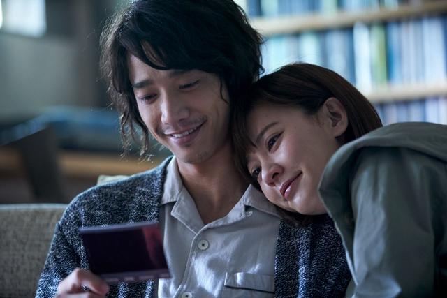 刘以豪的微凉笑容,让整个世界的雨都淅沥哗啦地下