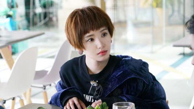 佟丽娅新剧《明天我们好好过》热播 与许芳铱搭档