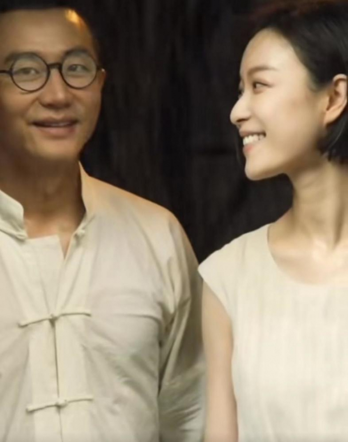 黄轩倪妮演革命情侣,亚麻米色造型好养眼,复古质朴气质十足