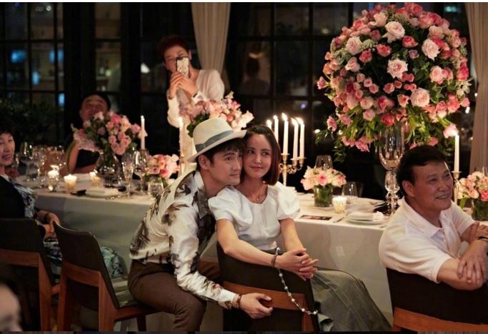 袁弘发文庆祝和张歆艺结婚五周年   浪漫值满分