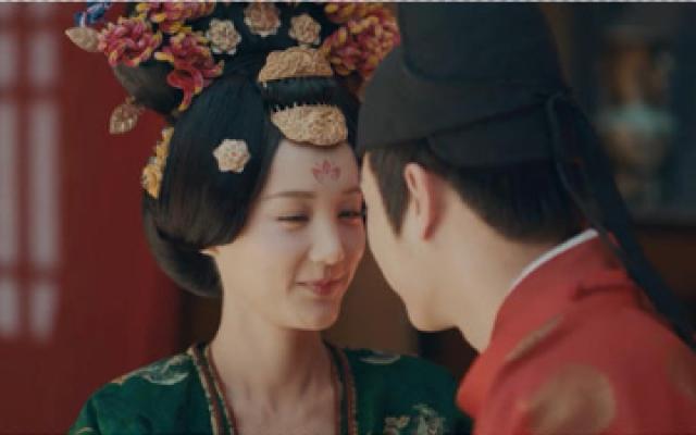 骊歌行:李一桐新婚之夜太羞涩,徐凯暖心安慰,哄得她满脸通红!