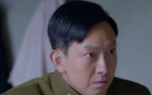 高歌向首长发牢骚,董娜在军校接受特务训练